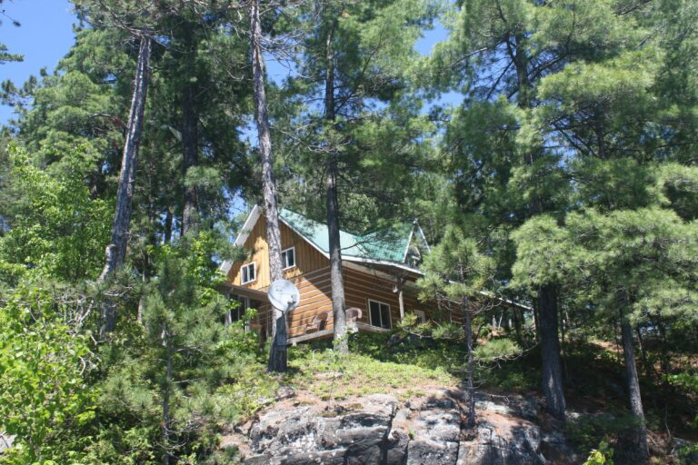 Kipawa Quebec, Canada Fishing Lodge For Sale 20