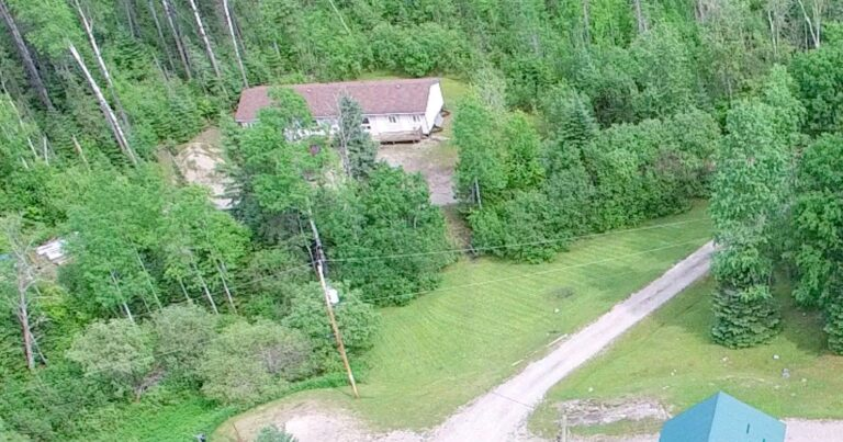 Ontario Lodge For Sale 12
